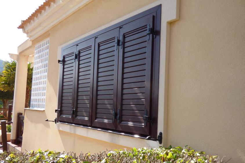 Ventanas y puertas mallorquinas m viles ventana 10 for Ventanales mallorquinas